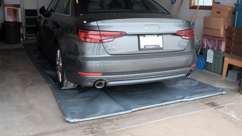 garage containment mat
