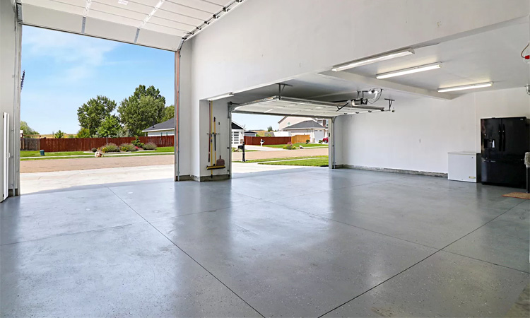 standard garage dimensions